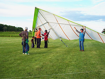 Hang Gliding Getting set up