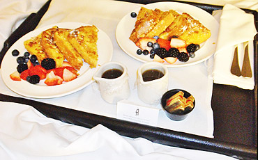 Los Angeles Hotel Angeleno Breakfast in Bed