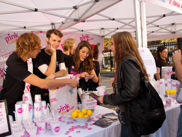 Editor Dana Krook chats up the stars at Because I Am A Girl Pink LemonAid Event