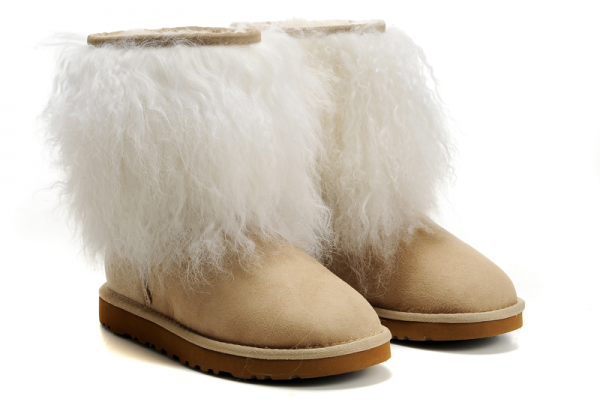 furryboots, boots, fur, trend, fashion, worsttrends