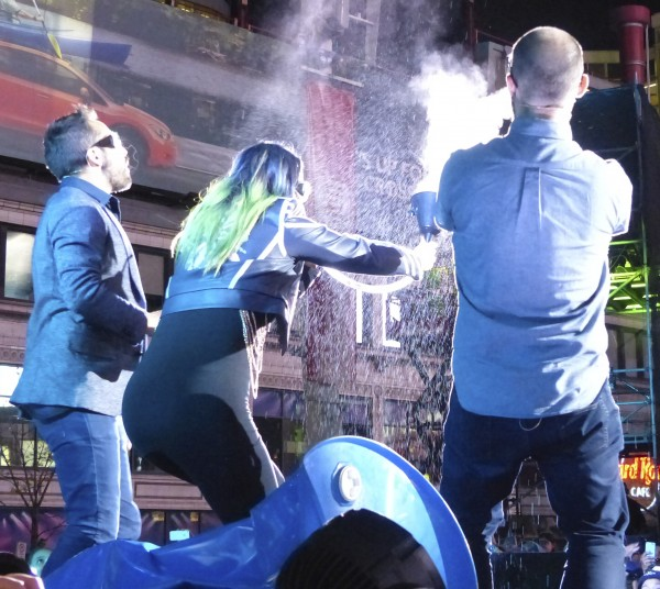 Vsauce and Veritasium experiment on stage