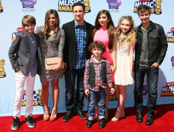fogelmanis-fishel-savage-maturo-blanchard-carpenter-meyer-radio-disney-music-awards-2014-02