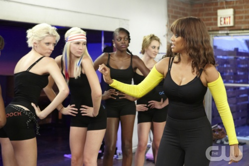"Tyra Banks giving America's Next Top Model contestants a ""Booty Tooching"" lesson"