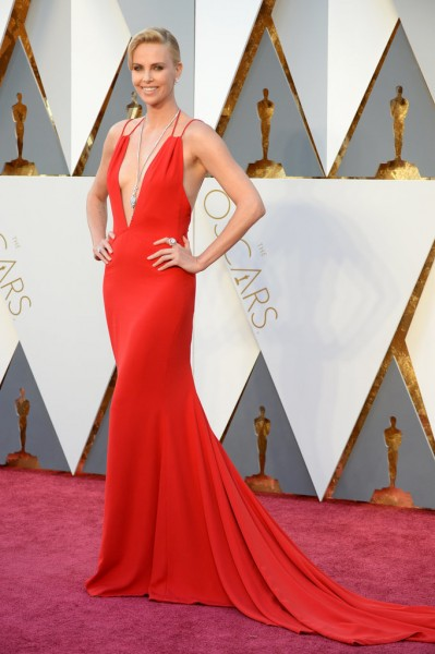 Charlize Theron, red carpet, oscars