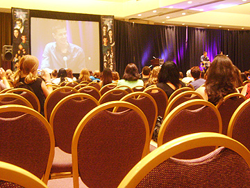 twilight_convention jennifer joseph Twilight cast members Alex Meraz and Chaske Spencer wow the fans
