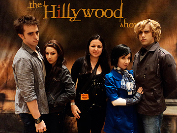 Twilight Convention: Stars of THE HILLYWOOD SHOW with Faze intern Melissa Doyle
