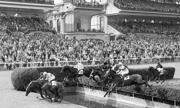 Mandarin in the Grand Steeplechase de Paris at Auteuil – 1962