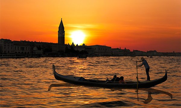 dream dates gondola venice