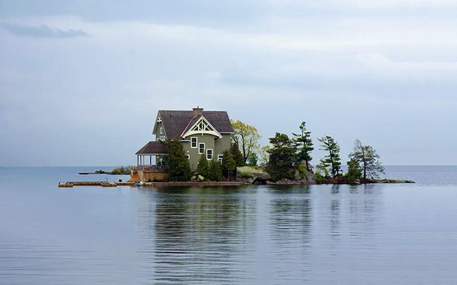 cottage on lake vacation home