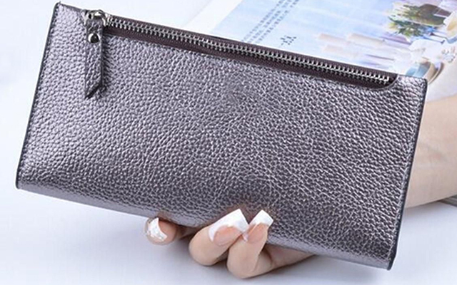 clutch leather wallet